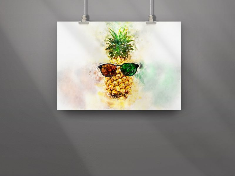Ananas with Sunglasses print on wall